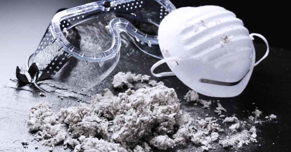 immagine di dispositivi di protezione individuale per la gestione sicura di fibre artificiali vetrose